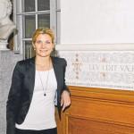 Rundt om på Christiansborg er der mange citater. Lotte Rod går hver dag forbi dette når hun møder ind på sit kontor og det er et af hendes personlige favoritter.